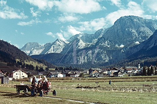 Artland Poster oder Leinwand-Bild fertig aufgespannt auf Keilrahmen mit Motiv Unbekannter Künstler Tirol. Ehrwald und Mieminger Gebirge Landschaften Berge Fotografie Türkis C4HF