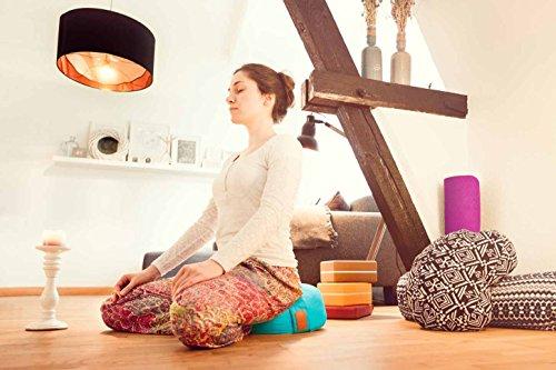 Coussin de yoga »Brahman« avec fermeture éclair & vannure d'épeautre biologique (culture biologique contrôlée) / Tailles: 42 x 15 cm - idéal comme coussin de yoga / coussin de méditation / coussin zafu / support de méditation / excellent confort d'assise / Matière : 100% coton - pomme verte