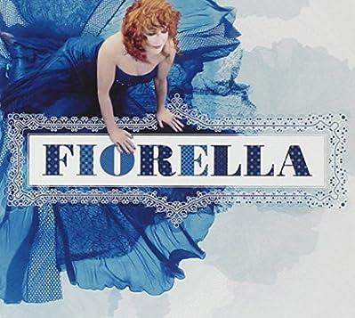 """""""FIORELLA"""" è un album eccezionale che include 2CD imperdibili: Il CD1 raccoglie il meglio di Fiorella Mannoia,  nuove registrazioni e arrangiamenti di brani classici del suo repertorio. I suoi grandi successi in versioni nuove ed inedite. Il..."""