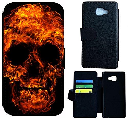 Flip Cover Schutz Hülle Handy Tasche Etui Case für (Apple iPhone 5 / 5s, 1518 Fussball Fußball Schwarz Goldfarben) 1516 Totenkopf Skull aus Feuer