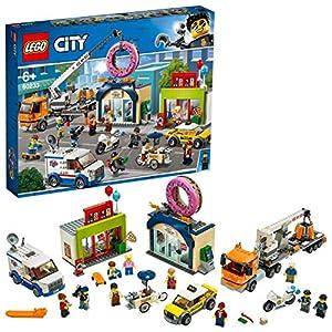 LEGO - City Inaugurazione del negozio dei Donut, Set con Macchinine Moto della Polizia, Camion con Rimorchio per Gru e… 5702016370539 LEGO