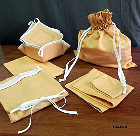 SET OF 6 KITCHEN PRODUCTS (APRON, BAG FOR BREAD, DISH