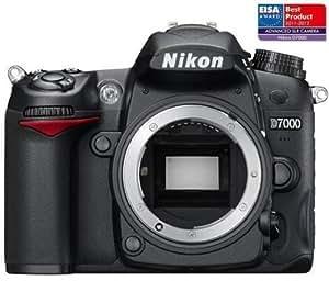 NIKON D7000 nu + Flash Speedlight SB-700