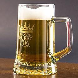 Regalo original para hombre y mujer: Jarra de cerveza de cristal para el Rey de la casa personalizada con nombre en estuche. El mejor regalo para cumpleaños y Día del Padre.