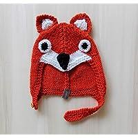 Cappellino volpe da bambino/a in lana merino taglia 12 mesi. Con bottoncino in legno. Realizzato interamente a mano.