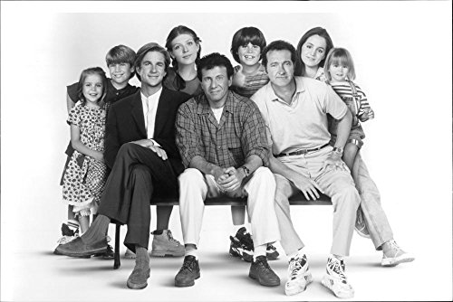 vintage-photo-of-matthew-modine-randy-quaid-paul-reiser-and-eliza-dushku-and-other-cast-of-the-film-