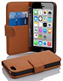 Cadorabo Hülle für Apple iPhone 5C - Hülle in COGNAC BRAUN – Handyhülle mit Kartenfach aus struktriertem Kunstleder - Case Cover Schutzhülle Etui Tasche Book Klapp Style