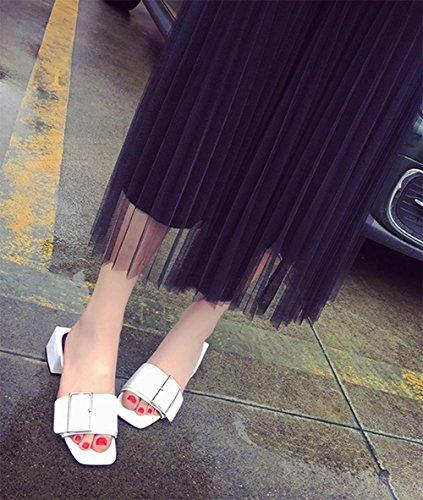 Party im Freien mit Mode Oberbekleidung Sandalen Frauen in Sandalen und Pantoffeln mit dem Wort Ms. White