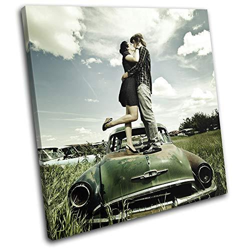 Bold Bloc Design - Kissing Couple Retro Car Urban Decay Love 40x40cm Single Boite de tirage d'art Toile encadree Photo Wall Hanging encadre et Pret a accrocher - Canvas Print RC-0162(00B)-SG11-LO-A