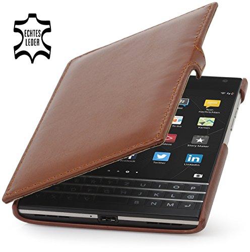 StilGut Book Type Case mit Clip, Hülle Leder-Tasche für BlackBerry Passport. Seitlich klappbares Flip-Case aus Echtleder für BlackBerry Passport, Cognac
