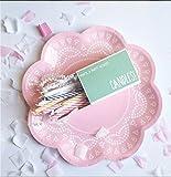 10 Blumen-Förmige Papp-Teller mit Weißem Spitzen-Perlen-Muster in Rosa - 4