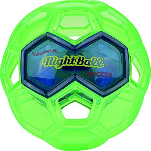 Preisvergleich Produktbild soccer maxi Weil der NightBall SOCCER MAXI mit seinen superhellen LEDs bei Bewegung im Dunkeln leuchtet