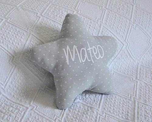 Cojín estrella para bebé personalizado.
