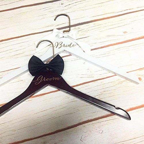 Bräutigam Kleiderbügel Set, Personalisierte Hochzeit Geschenk mit Gravur 2Pcs Aufhänger für Braut und Bräutigam (Personalisierte Braut Hanger)
