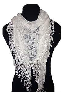 Blanc conception de roses écharpe. Triangle foulard de dentelle. Un élément de mode belle. Cadeau fantastique. (White roses designs lace triangle scarf. a lovely fashion item. Fantastic Gift)