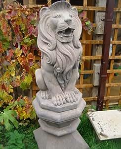 Paar garden ornaments, Stein sitzend, Löwen, ohne Sockel, 2 Stück