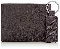 Calvin Klein Pebble Giftbox BlackDati:o Materiale: 100% pelleo Dimensioni: Larghezza circa 12,5 cm, altezza circa 10 cm, profondità circa 2 cmo Colore: Nero (Black)o Fabbricante: Calvin Klein