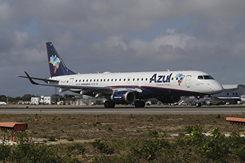 riccardo-niccoli-stocktrek-images-embraer-190-from-azul-brazilian-airlines-at-natal-airport-brazil-p