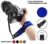 Neopren Kamera-Handschlaufe EXTRA BREIT | blau | ECHT Leder Verbindungsteile | DSLR spiegellose Systemkameras Kompakt-Kameras Kameraschlaufe Handgelenk-Schlaufe Trageschlaufe | MIND-CARE-ESSENTIALS