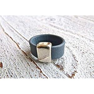 Lederring matt grau blau mit Zamak Element, Geschenk