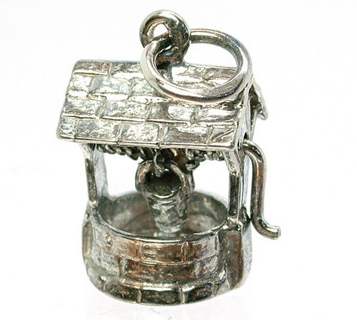 retro-charms-vintage-finished-sterling-silver-925-moving-wishing-well-charm-v592