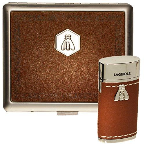 Hochwertiges Laguiole Gasfeuerzeug/ Zigarettenetui Geschenk Set - Elegante Mischung zwischen Leder und Edelstahl - Chrom (Hellbraun)