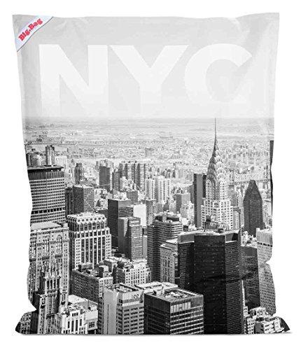 lifestyle4living Sitzsack Big Bag NYC in schwarz weiß, Rückseite in anthrazit, 380 l Volumen, Maße: B/H/T ca. 130/170/20 cm