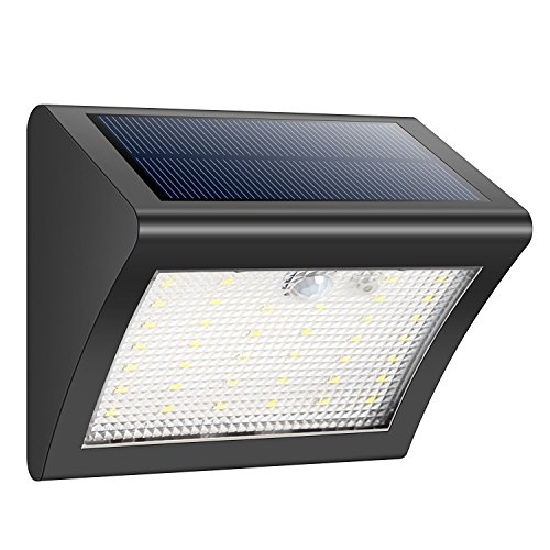 Características Eléctricas:Batería de Li-Ion: 3.7V 1500m/AhEnergía LED: 0.2W, 60mA, 38 Piezas, 28Im/PiezaÁngulo de movimiento y distancia: 120 grados, 30 - 50cmTamaño: 12x 10,5 x 7,5 cm   Tres Modos- Modo de encendido constante: En el día o en don...
