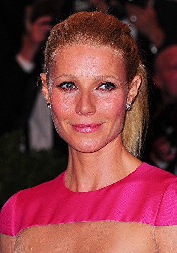 Th Paltrow At Arrivals For Punk: Chaos To Couture - Metropolitan Museum Of Art'S 2013 Costume Institute Gala Benefit - Part 4 Photo Print (40,64 x 50,80 cm)