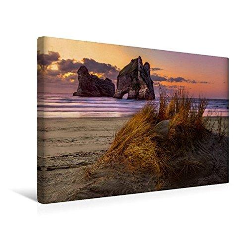 Calvendo Premium Textil-Leinwand 45 cm x 30 cm quer, Abenddämmerung am Wharariki Beach, Neuseeland | Wandbild, Bild auf Keilrahmen, Fertigbild auf echter Leinwand, Leinwanddruck Orte Orte