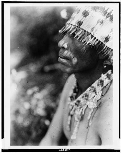 photo-coast-pomofeather-head-dressindiannorth-americancaliforniacae-curtisc1924-by-historicalfinding