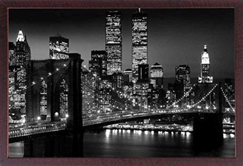 Manhattan-walnuss (New York - Brooklyn Bridge - Poster schwarz-Weiss Foto Manhattan New York - Grösse 91,5x61 cm + Wechselrahmen, Shinsuke® Maxi MDF Walnuß, Acryl-Scheibe)