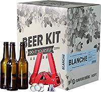 Ce Kit contient tous les ustensiles du brasseur nécessaire à la réalisation de cette bière blanche, à savoir : - 1 manuel de brassage de 12 pages avec les instructions complètes - 1 fourquet (spatule) - 1 dame-jeanne en verre de 5L - 1 bouchon en cao...
