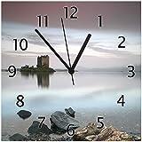 Wallario Glas-Uhr Echtglas Wanduhr Motivuhr • in Premium-Qualität • Größe: 30x30cm • Motiv: Schloss in Schottland