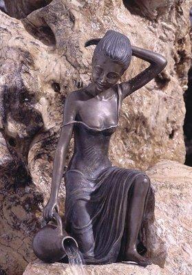 Bronzefigur wasserspeiend Skulptur aus Bronze echte Handarbeit Gartenskulptur Gartenfigur Garten-Statue