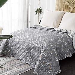 Bedsure Copriletto Matrimoniale Grigio Modello di Ramo 260 x 240 cm - Trapunta Copri Letto per Primaverile e Estivo Moderno e Morbido