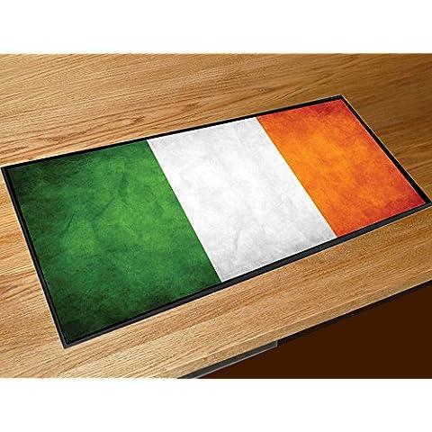 Bandera irlandesa de camino a casa de contador de la estera