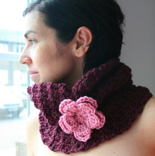 Crochet pattern textured snood / cowl teens to adults size (39) (Crochet Cowls Book 1) (English Edition)