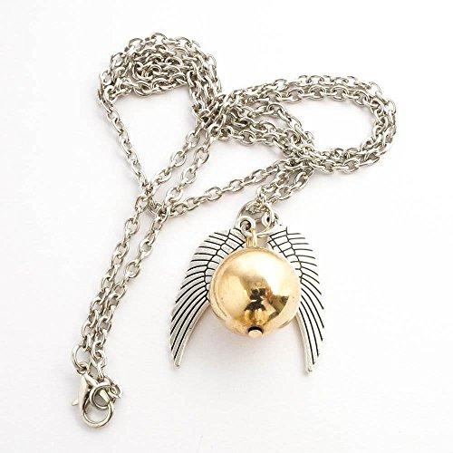 Stoke Home Harry Potter Quidditch Halskette   Harry Potter Schmuck Goldener Schnatz mit Silbernen Flügel   Perfektes Geschenk für Alle Harry Potter Fans  Golden Snitch Quidditch Necklace