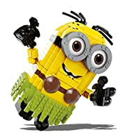 Straight from the Despicable Me 3 movie comes this Build-A-Minion Hula Dave Construction Set with 668 pieces.
