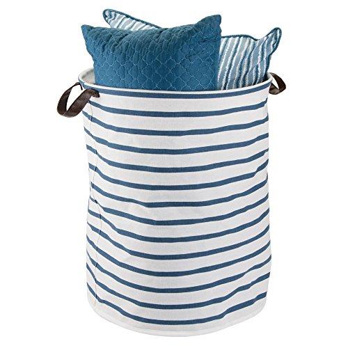 mDesign Faltbare Aufbewahrungsbox mit 2 Griffen - große Faltbox aus Baumwoll-Polyester-Mischung im Streifen-Design - runde Stoffkiste mit wasserfester Innenbeschichtung - blau und weiß - Blaue Baumwolle Mischung