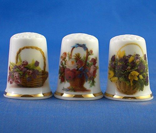 Porcelana China colección de dedales Juego de tres cestas de flores.