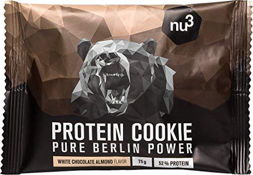 nu3 Protein Cookie | 12 x 75g Weiße-Schoko-Mandel | 39 g Eiweiß pro Protein Keks | 60{3b8bbaae129ce3dfb13f892054cd737aafeded38acc2e27905c5b4f5a3be6bb8} weniger Kohlenhydrate als normale Kekse | mit knackigen weißen Schokoladenstückchen | nur 1,7 g Zucker pro Keks