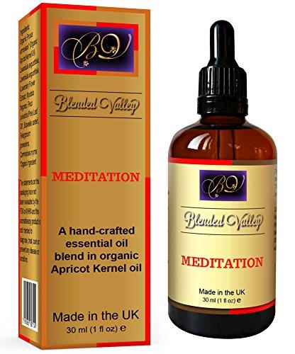 Olio Aromaterapia Da Meditazione - Oli Essenziali di Lavanda, Incenso e Mirra in Olio di Albicocca. Usare in Diffusore di Essenze o Bruciatore di Incenso. Per Rilassamento, Yoga o Chakra Clearing.