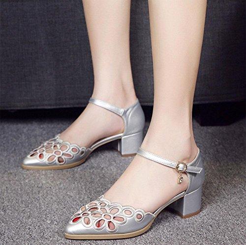 La pointe creuse brut chaussures perméables à l'air avec un en-tête encliquetable mot avec des sandales C
