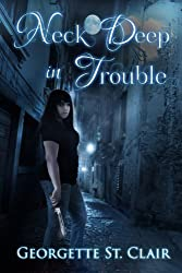 Neck Deep In Trouble: A BBW Vampire Urban Fantasy (English Edition)