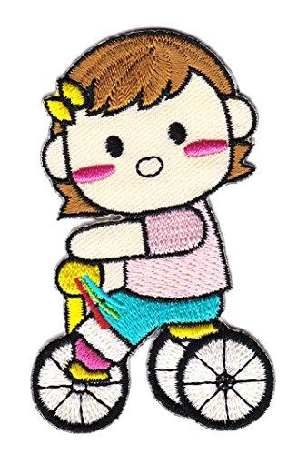 Mädchen auf Dreirad Aufnäher Bügelbild (Kleidung Com Mädchen)