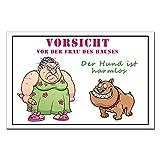 TRIOSK Metallschild mit Hund und Spruch Warnschild Frau des Hauses, lustiges Deko Geschenk für Hundefreunde, Blechschild 20x30 cm