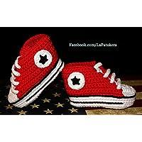 Patucos para bebé de crochet, Unisex. Estilo converse all star, de color Rojos, 100% algodón, tallas de 0 hasta 12 meses, hechos a mano en España.