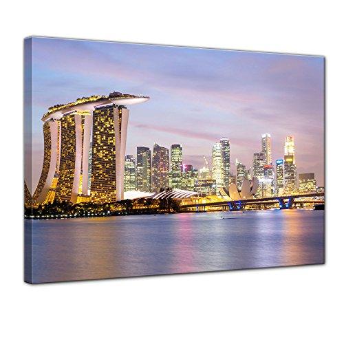 Wandbild - Singapur - Skyline II - Bild auf Leinwand - 80x60 cm einteilig - Leinwandbilder - Städte & Kulturen - Asien - Hotel Marina Bay Sands - Wolkenkratzer - beleuchtet